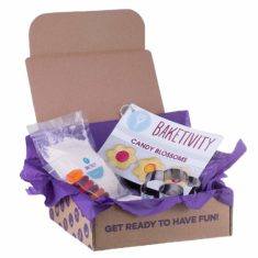 CANDY BLOSSOMS BAKING KIT